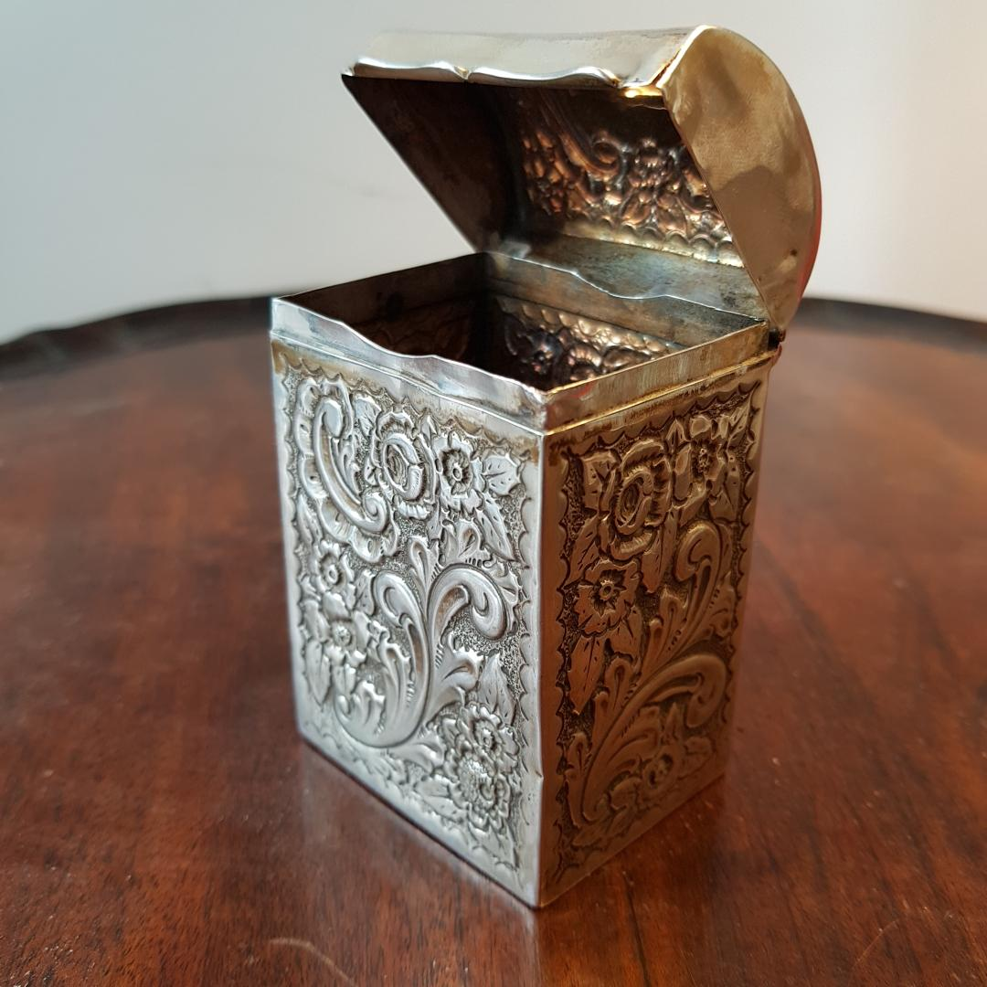Edwardian Chester silver and floral embossed tea caddy