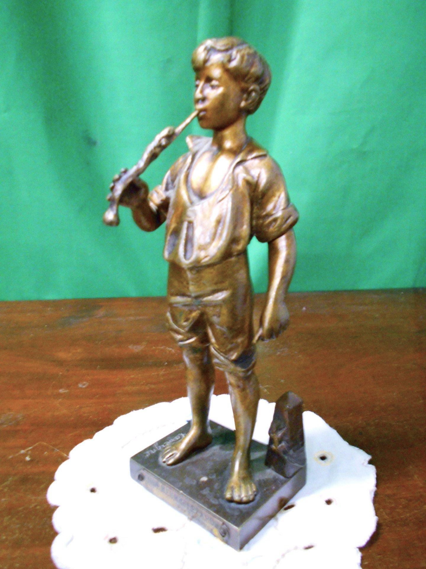 Fine 19th century French bronze flute player