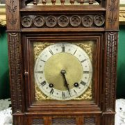 Victorian oak cased W&H mantel clock