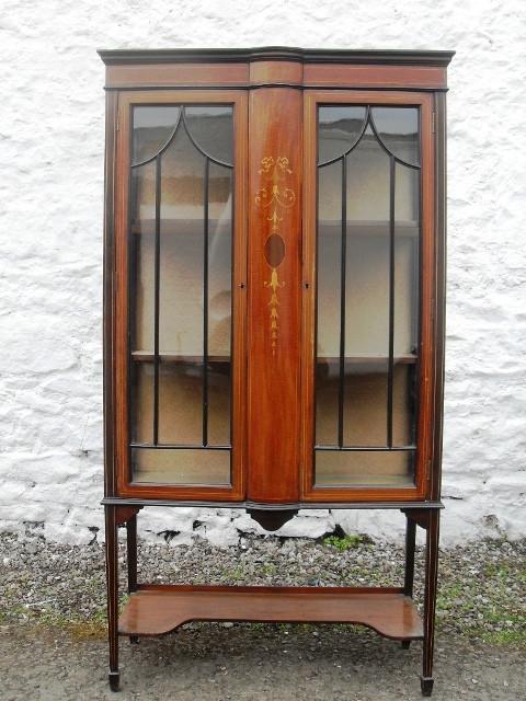 Edwardian inlaid mahogany cabinet