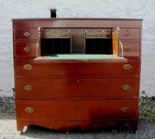 Georgian mahogany secretaire chest