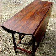 Large Victorian rosewood gateleg table